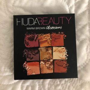 Huda Beauty Eyeshadow Pallet